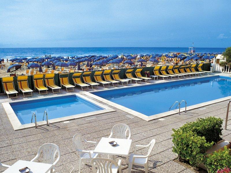 Hotel london 3 stelle fronte mare con piscina a jesolo lido - Hotel jesolo con piscina fronte mare ...